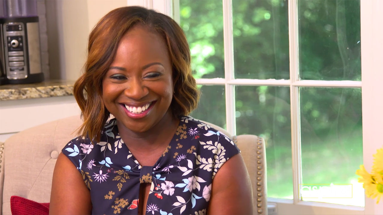 Chop It Up with Gina Neely – Pizza In a Flash